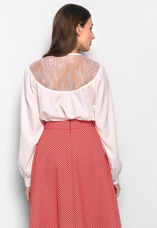 Блузка с тончайшим кружевом Вуаль