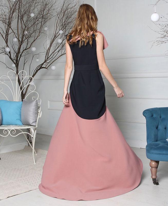 Вечернее платье со шлейфом серии De Luxe